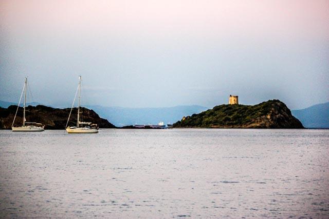 Segelboote-Bucht-von-Pula-Sardinien