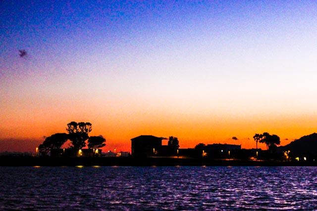 Sonnenuntergang-vom-Segelboot-Pula-Strand-Santa-Margeritha-di-Pula-Sardinien