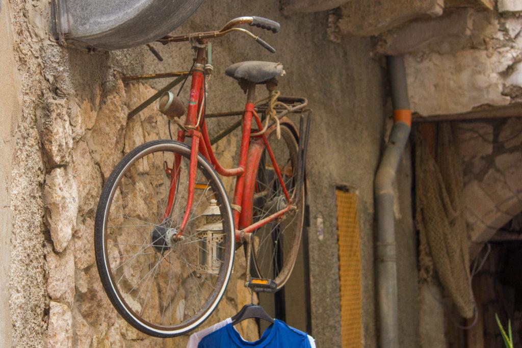 Fahrrad-Impressionen-auf-Carloforte-Sardinien